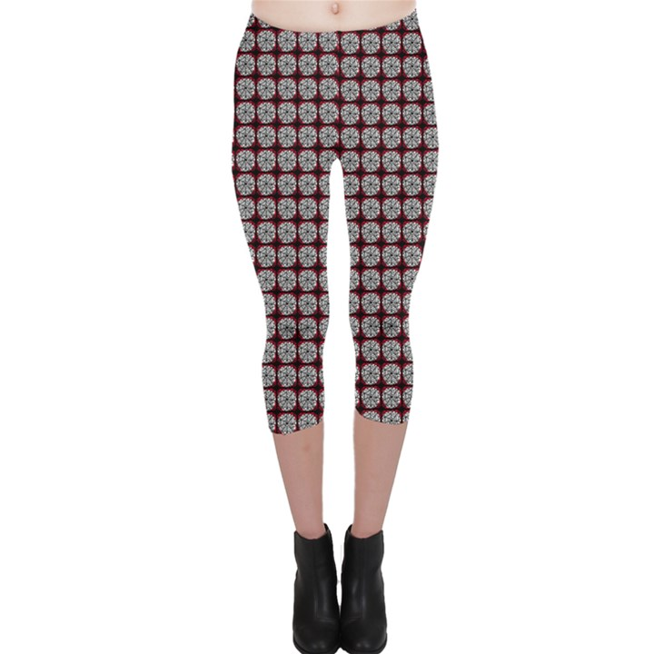 Red Halloween Spider Tile Pattern Capri Leggings