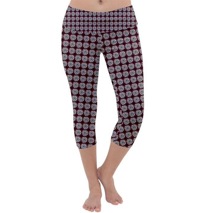 Red Halloween Spider Tile Pattern Capri Yoga Leggings