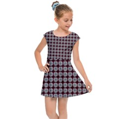 Red Halloween Spider Tile Pattern Kids  Cap Sleeve Dress