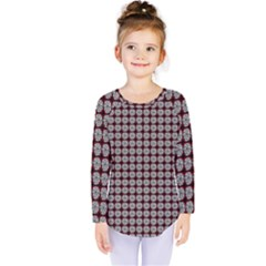 Red Halloween Spider Tile Pattern Kids  Long Sleeve Tee
