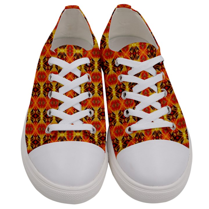 Median  Men s Low Top Canvas Sneakers