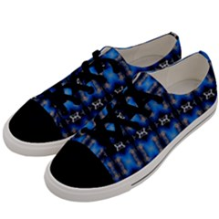 Barranquilla 022ii Men s Low Top Canvas Sneakers by mrozarb
