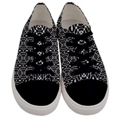 Melbourne  Men s Low Top Canvas Sneakers