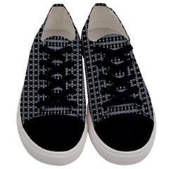 Tampa  Tri 002 Men s Low Top Canvas Sneakers