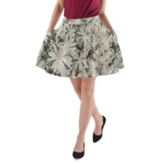 Pale Tropical Floral Print Pattern A-line Pocket Skirt