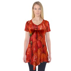 Colorful Strawberries At Market Display 1 Short Sleeve Tunic