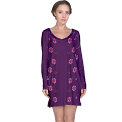 Love Is So Big In The Natures Mosaic Long Sleeve Nightdress