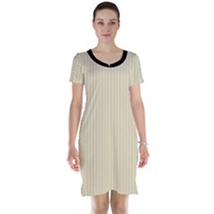 Dutch White - Short Sleeve Nightdress