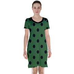Large Black Polka Dots On Basil Green - Short Sleeve Nightdress