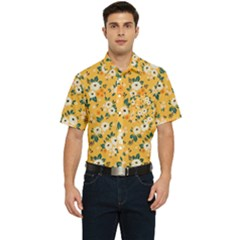 White Flowers Men s Short Sleeve Pocket Shirt