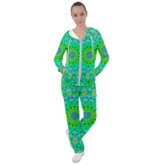 Evergreen Women s Tracksuit