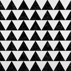 triangle2 black marble white linen