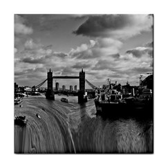 River Thames Waterfall Face Towel by Londonimages