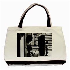 Vintage Uk England London Sentry At Buckingham Palace Twin-sided Black Tote Bag by Vintagephotos