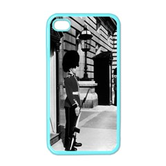 Vintage Uk England London Sentry At Buckingham Palace Apple Iphone 4 Case (color) by Vintagephotos