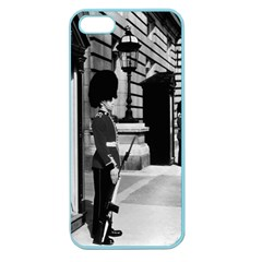Vintage Uk England London Sentry At Buckingham Palace Apple Seamless Iphone 5 Case (color) by Vintagephotos