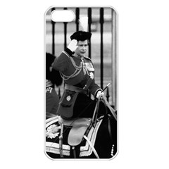 Vintage Uk England  Queen Elizabeth 2 Buckingham Palace Apple Iphone 5 Seamless Case (white) by Vintagephotos