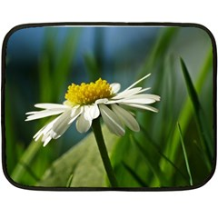 Daisy Mini Fleece Blanket (two Sided) by Siebenhuehner