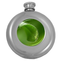 Leaf Hip Flask (round) by Siebenhuehner