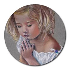 Prayinggirl 8  Mouse Pad (Round)