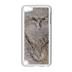 Heart In The Sand Apple Ipod Touch 5 Case (white)