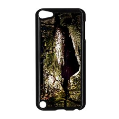 A Deeper Look Apple iPod Touch 5 Case (Black)