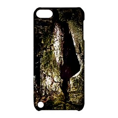 A Deeper Look Apple iPod Touch 5 Hardshell Case with Stand