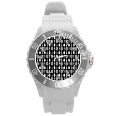 Black And White Spatula Spoon Pattern Round Plastic Sport Watch (l) by creativemom
