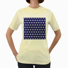 Abstract Knot Geometric Tile Pattern Women s Yellow T-Shirt