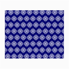 Abstract Knot Geometric Tile Pattern Small Glasses Cloth