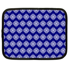 Abstract Knot Geometric Tile Pattern Netbook Case (Large)