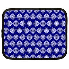 Abstract Knot Geometric Tile Pattern Netbook Case (XL)