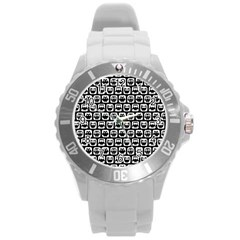 Black And White Owl Pattern Round Plastic Sport Watch (l) by creativemom