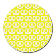 Yellow Pretzel Illustrations Pattern Round Mousepads