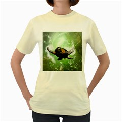 Beautiful Seaturtle With Bubbles Women s Yellow T-Shirt