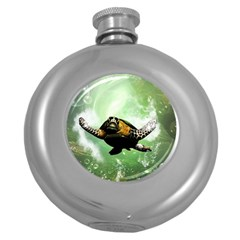 Beautiful Seaturtle With Bubbles Round Hip Flask (5 oz)