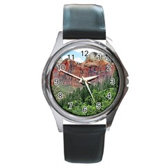 Upper Emerald Trail Round Metal Watches by trendistuff