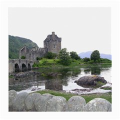 Scotland Eilean Donan Medium Glasses Cloth (2 Side) by trendistuff