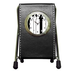 Funny Black and White Stripes Diamonds Arrows Pen Holder Desk Clocks