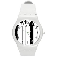 Funny Black and White Stripes Diamonds Arrows Round Plastic Sport Watch (M)