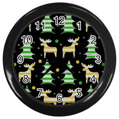 Decorative Xmas Reindeer Pattern Wall Clocks (black) by Valentinaart