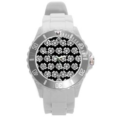White Gray Flower Pattern On Black Round Plastic Sport Watch (l) by Costasonlineshop