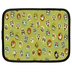 Owl Round Green Netbook Case (xxl)  by Jojostore