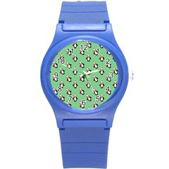 Christmas Penguin Green Round Plastic Sport Watch (s)