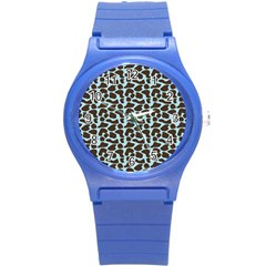Giraffe Skin Animals Round Plastic Sport Watch (s)