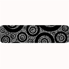 Selected Figures From The Paper Circle Black Hole Large Bar Mats