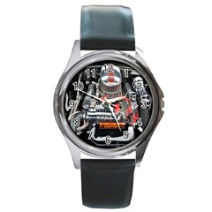 Car Engine Round Metal Watch
