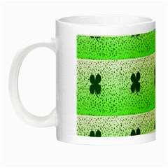 Shamrock Pattern Background Night Luminous Mugs