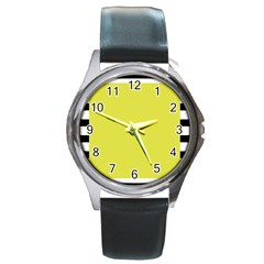 Fun Little Green Wave Round Metal Watch by Jojostore