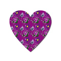 Flower Pattern Heart Magnet